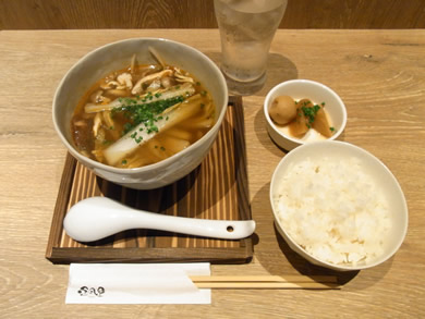 福岡 賃貸 薬膳春雨スープランチ.jpg